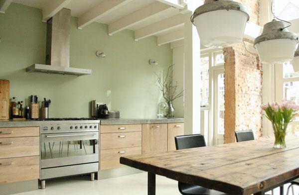 アクセントカラーとタイルのキッチン2