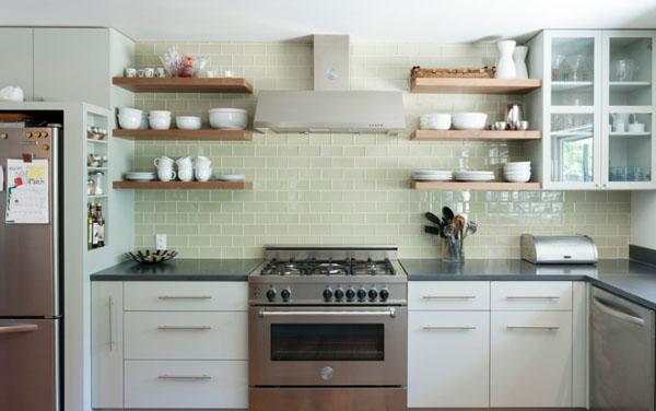 アクセントカラーとタイルのキッチン3
