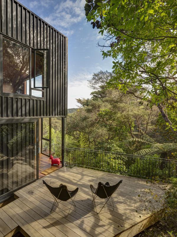 自然溢れる山の家2