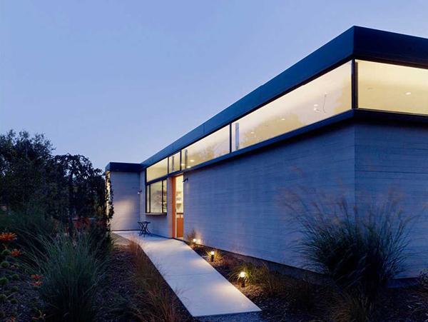 光溢れる緑の家2