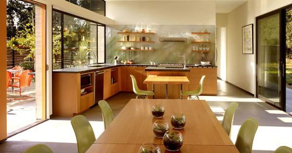 光溢れる緑の家4