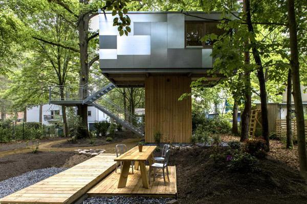 森の空中ハウス2