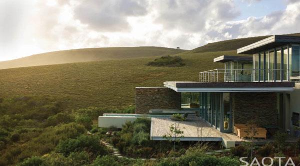 海が見える丘の上の家1