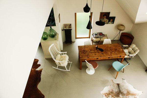 真っ白い家とアンティーク家具4