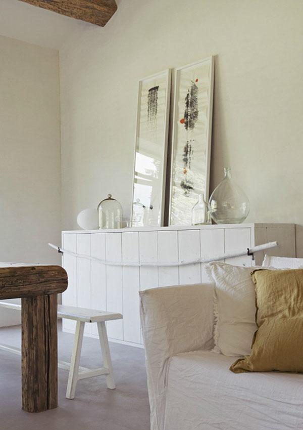 白と土壁のシンプルハウス5