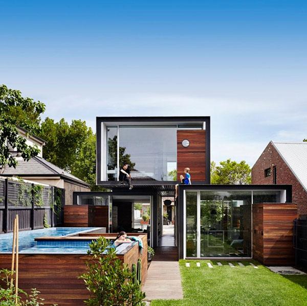 ウッド&ブラックの四角いコンテナ風ハウス1