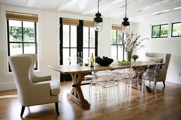 白いモダンなファームハウス ハウス・住宅・家 海外の素敵な家のインテリア