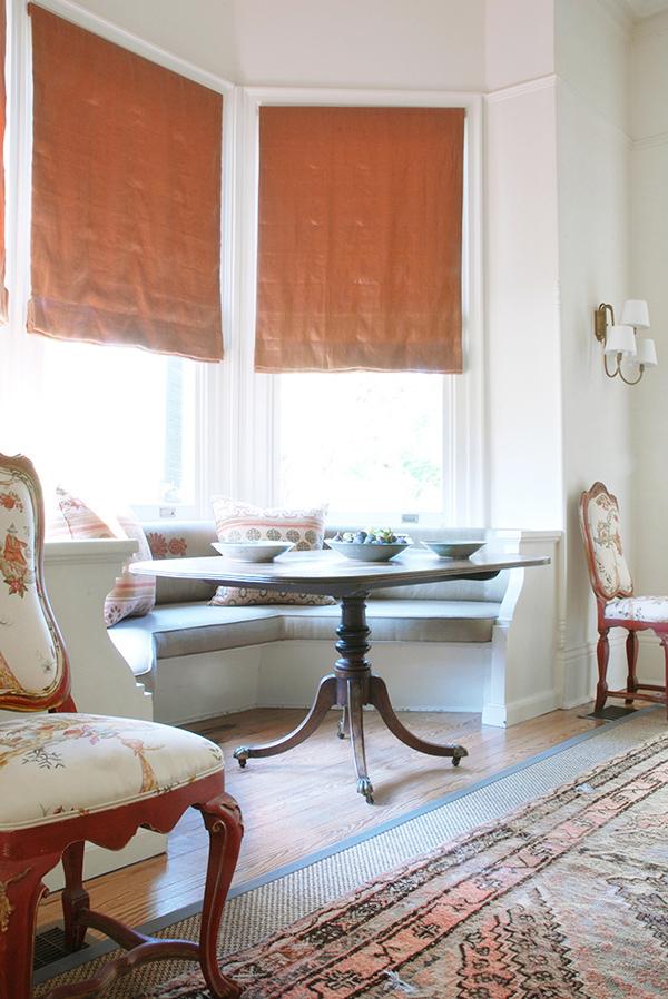 窓ぎわが魅力的なロマンチックハウス4