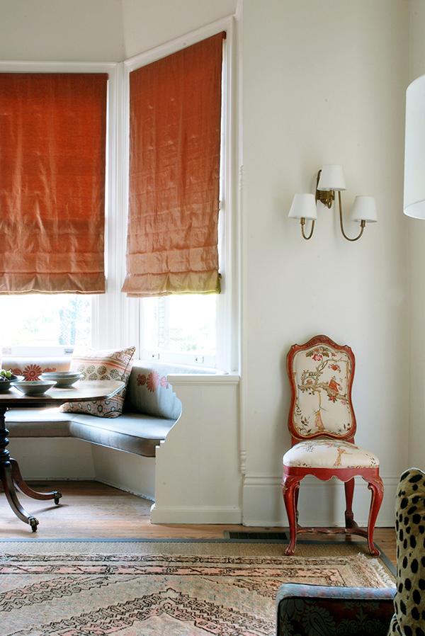 窓ぎわが魅力的なロマンチックハウス5